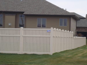 Semi-private vinyl fencing for 2 heights and three rails