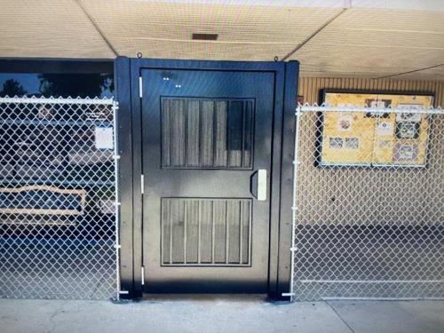 Sampson Commercial Swing Gate