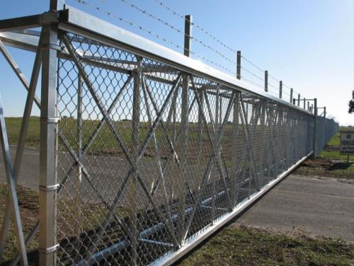 Aluminum industrial sliding gate - box framed