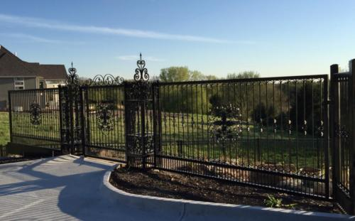 Old-School-Wrought-Iron-Ornamental-Fence-5